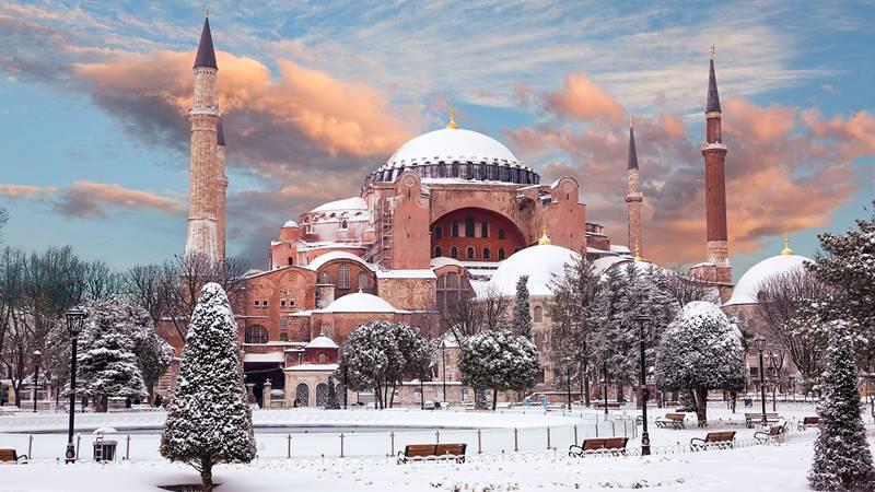 حالة الطقس في اسطنبول خلال كل فصول السنة تركي فلوج
